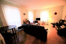 Lovely bright 1 bed &den apt $1,300 plus hydro King&Ritson Oshawa